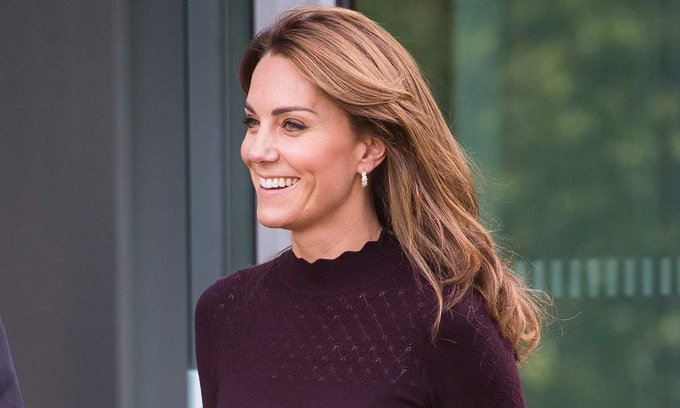 Kate Middleton (@secretofellie)