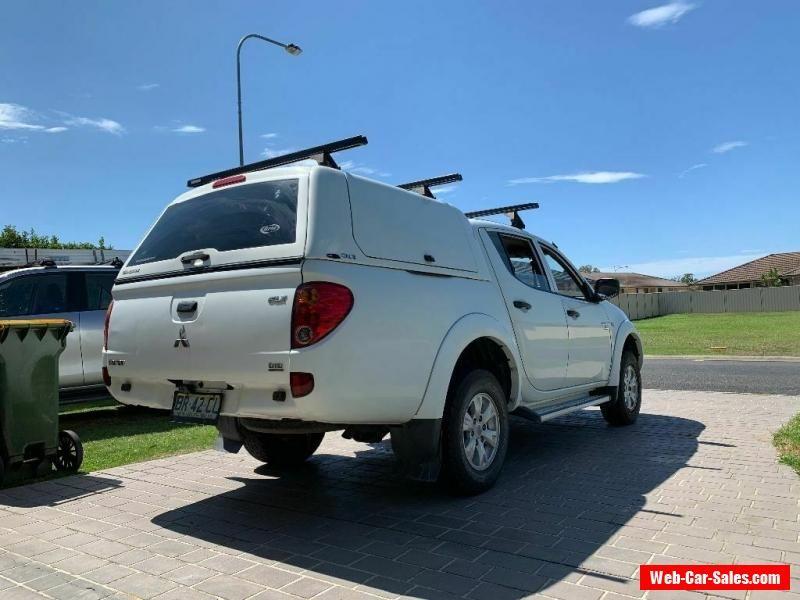 Car for Sale mitsubishi triton 2012
