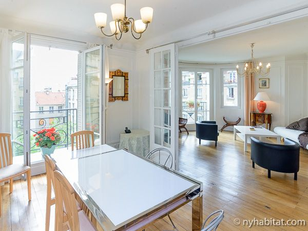 Show Of Hands Who S Surprised That Parisian Apartments Are So Elegant Fun Fact You Can Rent This One Http Paris Apartments Parisian Apartment Apartment