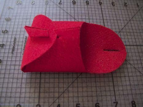 Make A Folded Felt Gift Box Pinterest Felt Gifts Felting And Box