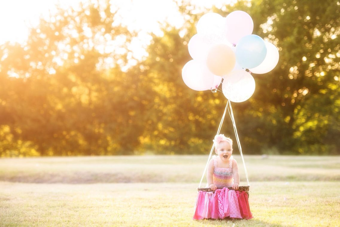 Perfect 1st birthday photo shoot - Hot Air Balloon theme Mike Mezuel Photography