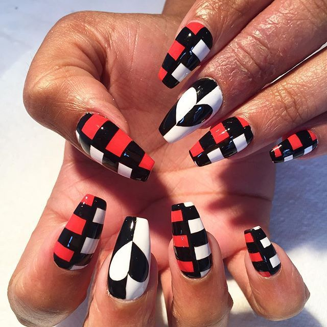 Red White And Black Checkered Coffin Nails Soooo Pretty Acrylic Nails Coffin Short Checkered Nails Stiletto Nails