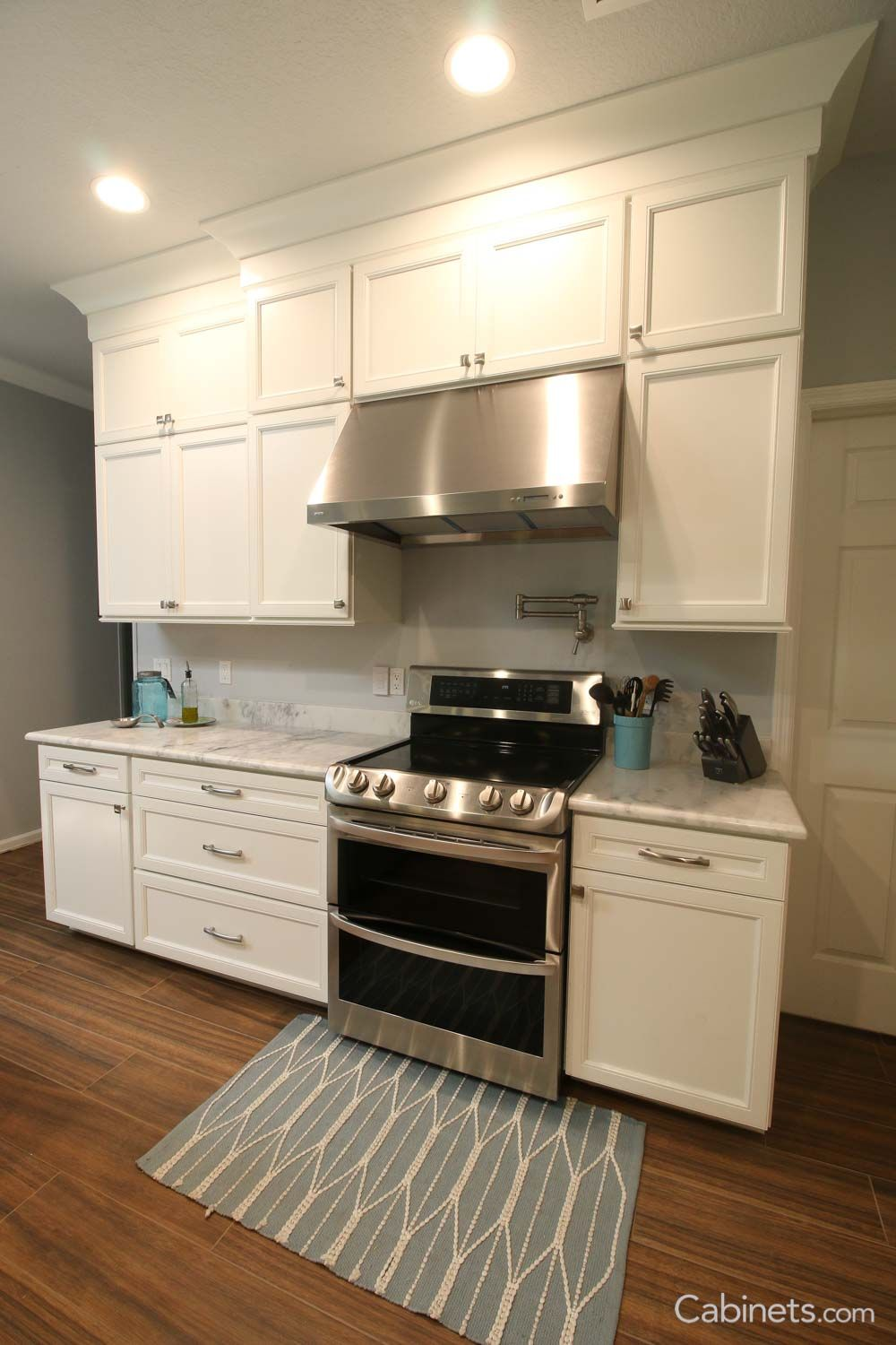 Crown Molding in Belleair Maple Bright White Cabinets ...
