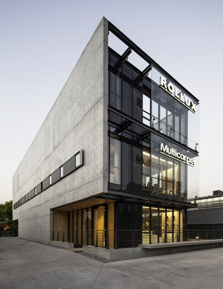 Gallery of multicarpet rollux showroom arquitectos 16 - Small office building exterior design ideas ...