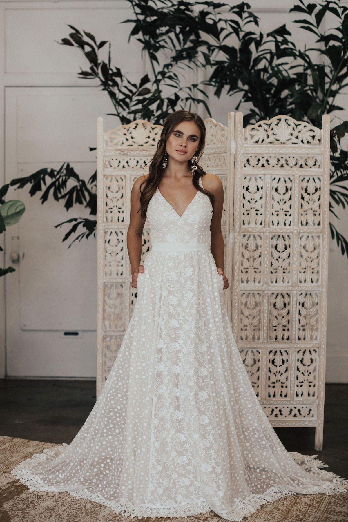 Romantic Yasmin Varsano Wedding Dresses with Feminine