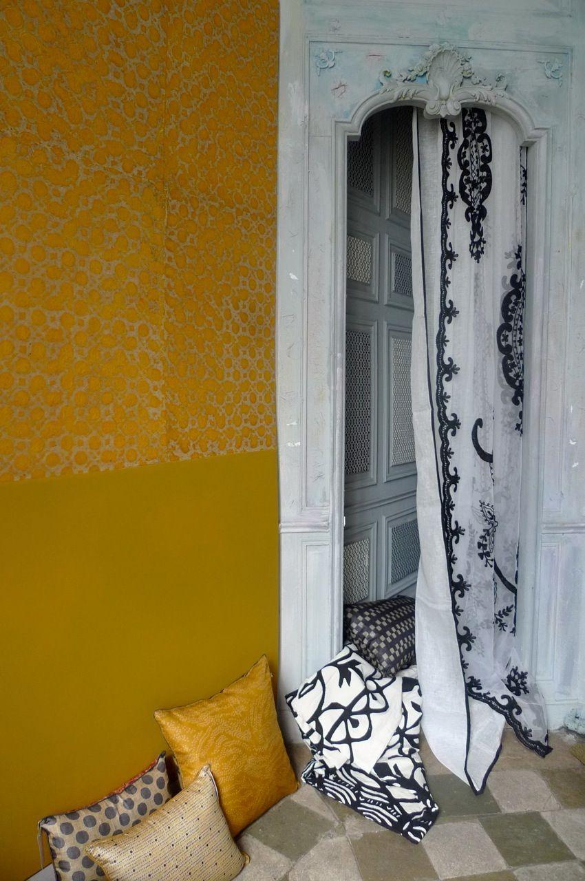 Papier peint jaune et Coussins japonais Le Monde Sauvage | < Jaune ...