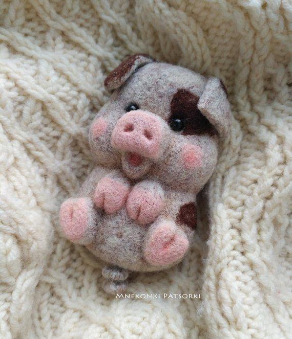 Pig Needle felted Brooch Pink Piggy Needle felting brooch Wool Felt animal Brooch Piggy Handmade birthday Gift Cute Piggy Wool Jewelry