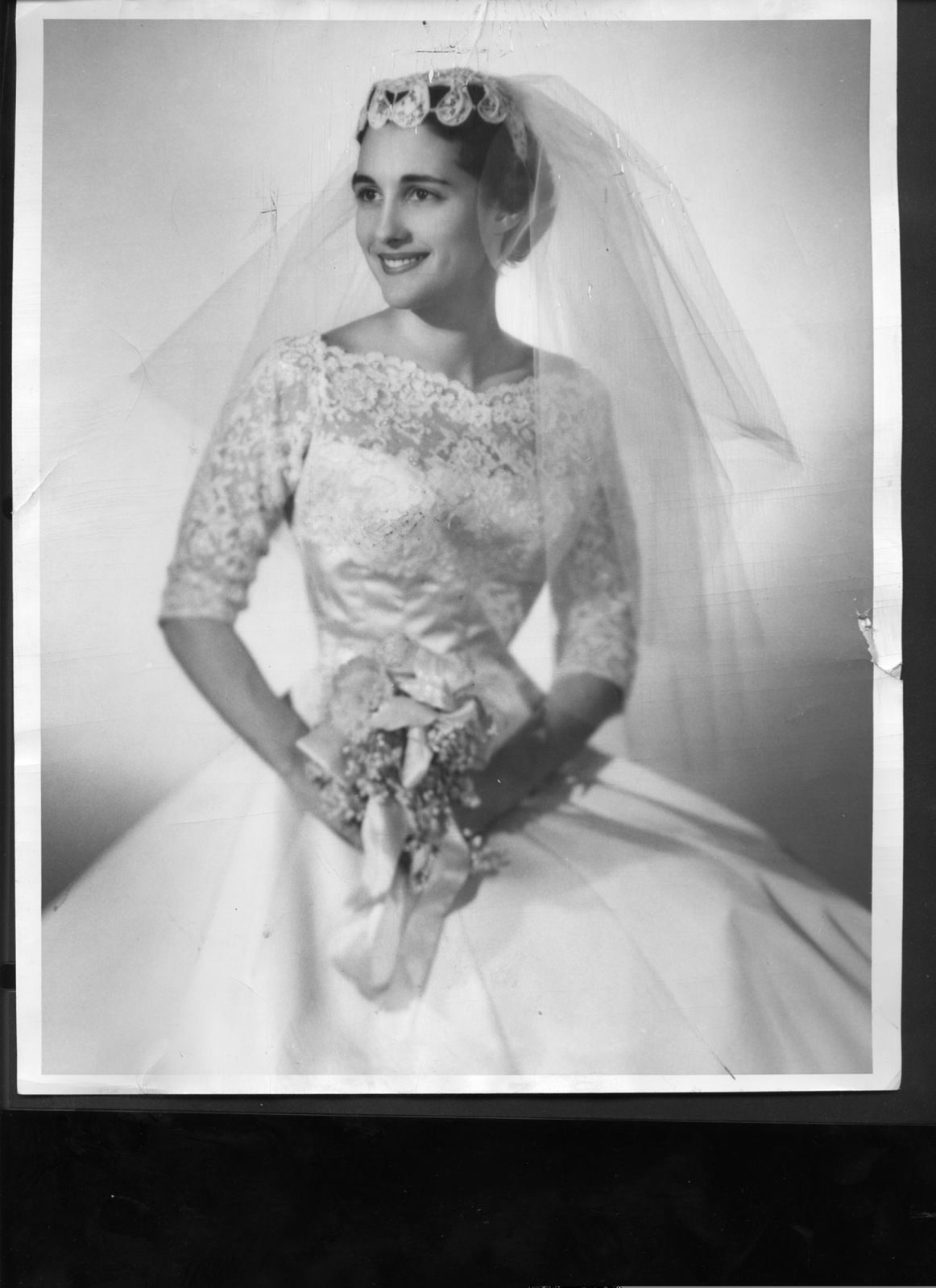 News Photo Bride Katharine Frankenthal (groom Robert McMillan) Chicago 1957