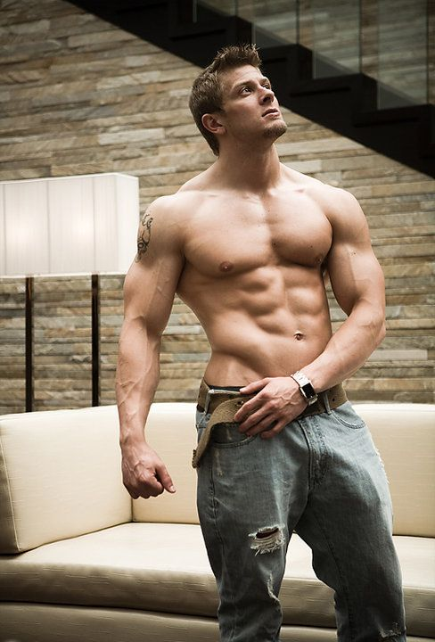 Muscleguys in and outside