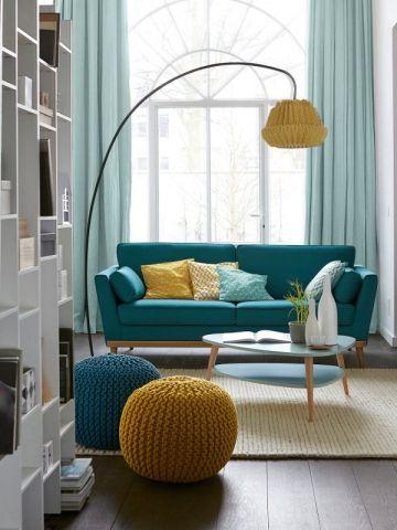 Aménager son salon : un canapé coloré pour un décor stylé | Les ...