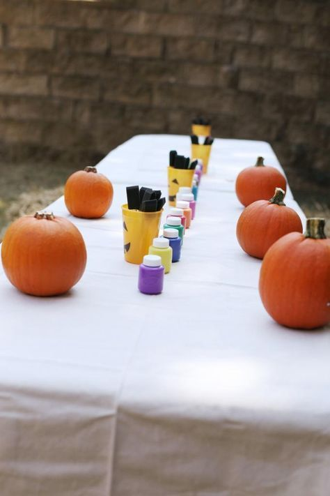 Pumpkin Painting Party - Bower Power #pumpkinpatch