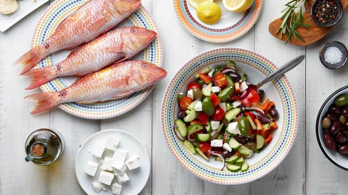 Mediterranean Diet 101: A Meal Plan and Beginner's Guide