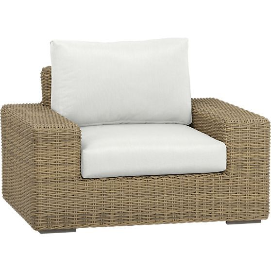 Newport Lounge Chair With Sunbrella White Sand Cushions In Newport