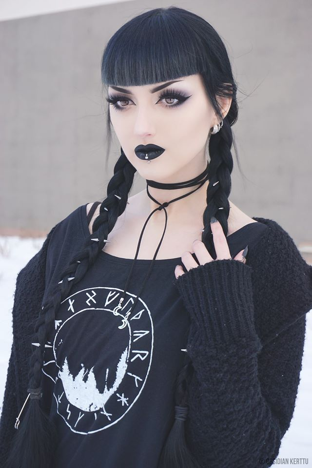 Model/MUA/Photo: ©Obsidian Kerttu  Shirt: Wallin / Cardi: Killstar  Welcome to Gothic and Amazing |www.gothicandamazing.com