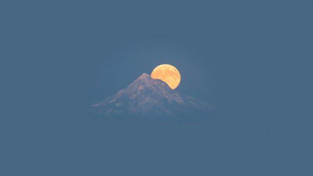 Moon rising [1920x1080]
