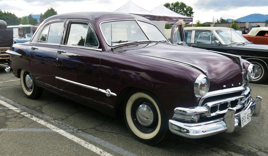 1951 Meteor Custom Deluxe 4 Door Sedan Ford Shoebox Vintage Cars Ford Canada