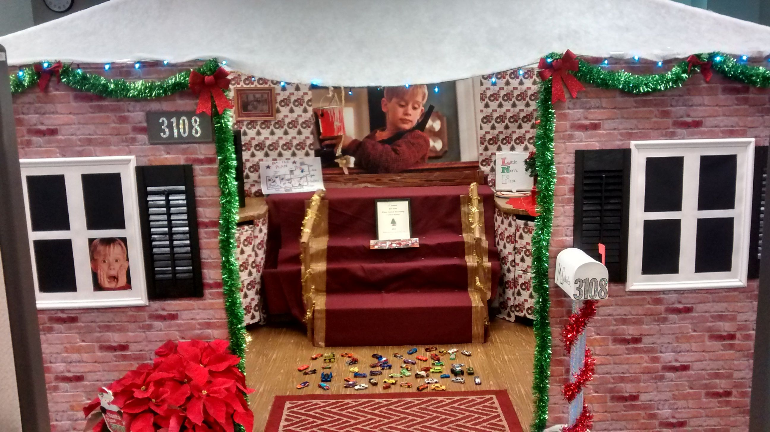 Home Alone Cubicle Front Side Christmas Door Decorating Contest Decorations Also Projects Rh Br