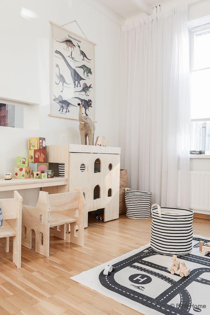 Een kinderhoek / speelhoek in de woonkamer van Fins vuren | Interior ...