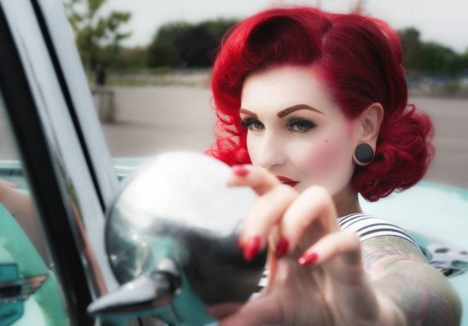 Photo Vintage Hairstyling Photographers Red Hair And Models