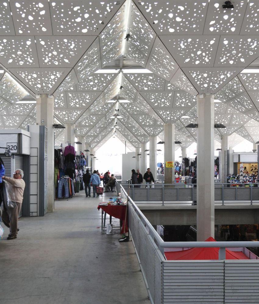 Galeria De Normativas Mas Flexibles Para El Diseno De Edificios Publicos El Caso Del Nuevo Mercado Tirso Architecture Roof Architecture Modern Architecture