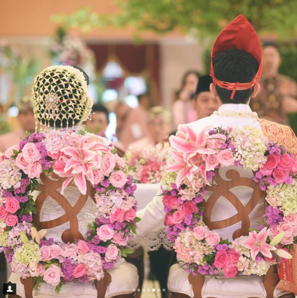 akad nikah with Bataknese theme | wedding day from @vnsldy | Pinterest