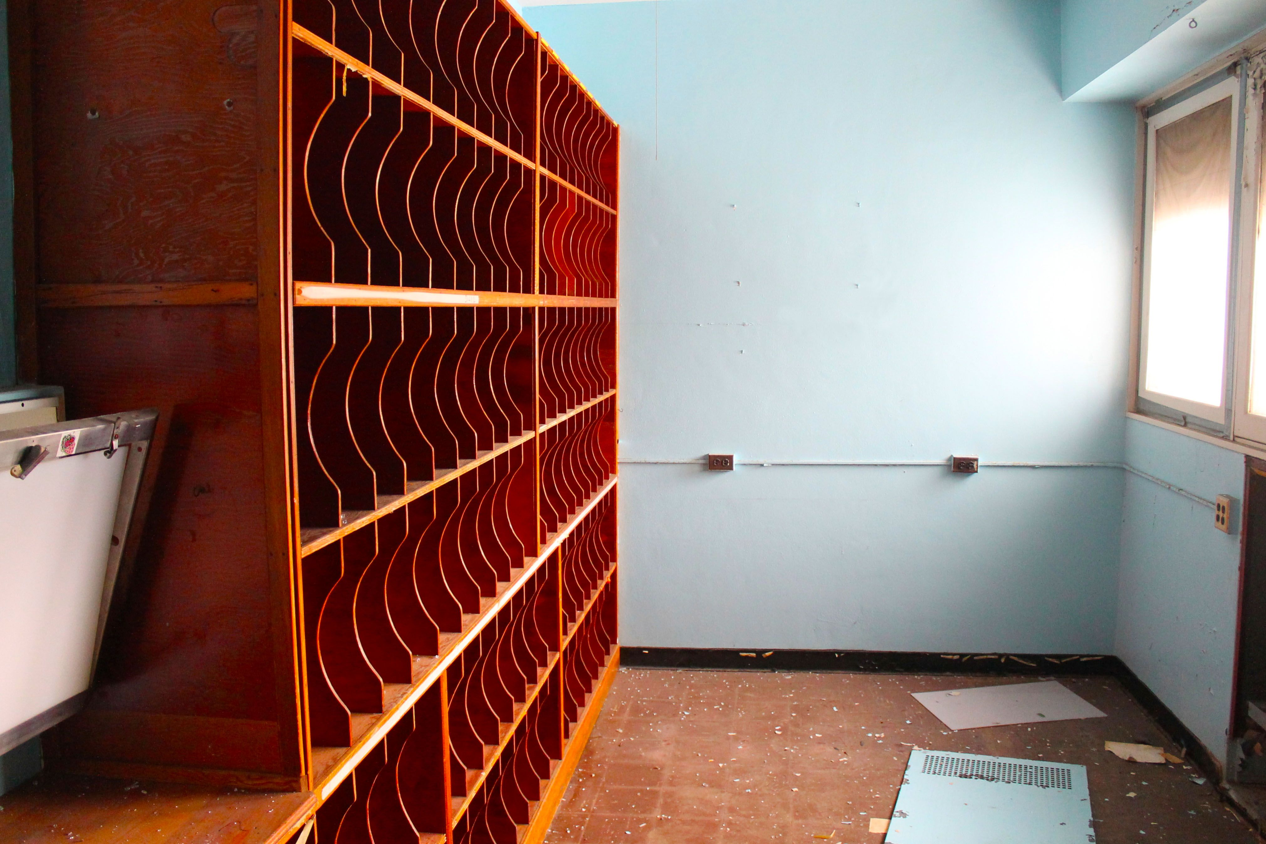 X Ray Room Rochester Psychiatric Center Rochester Ny Abandoned Places Room Wine Rack