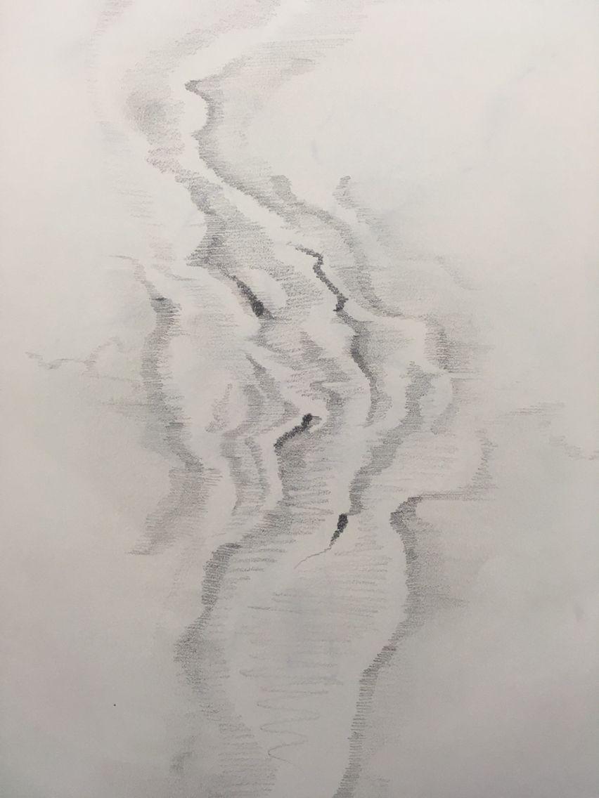 물을 손으로 만졌을때 퍼져나가는 그 모습을 표현해보려했다.(연필)