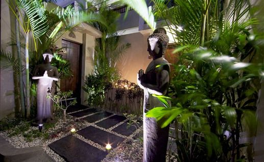 Bali couryard bali style home garden pinterest for Balinese garden designs ideas