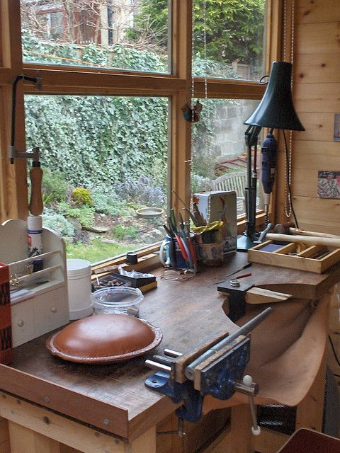 My lovely bloke made this brilliant workbench for me and it waslooking so tidy I thought I'd take a photo.