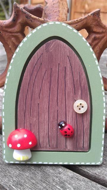 Fairy doors garden miniatures fairies pinterest for Fairy doors to make
