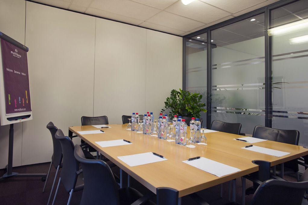 Salle de réunion du centre de wavre nord multiburo belgique