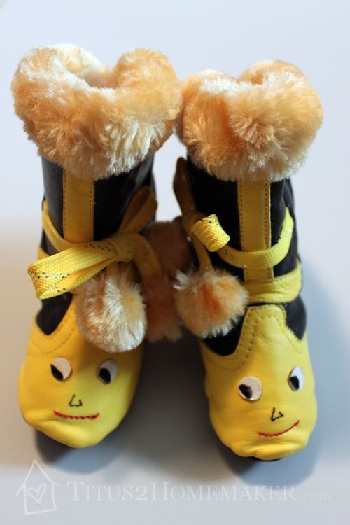 Cute boots!   Khabooties sheepskin & leather boots 'made by ladies for beautiful babies' are healthy for little feet!  #t2hmkr
