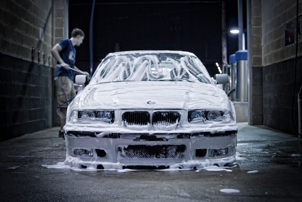 Book doorstep car washing and car dry cleaning services