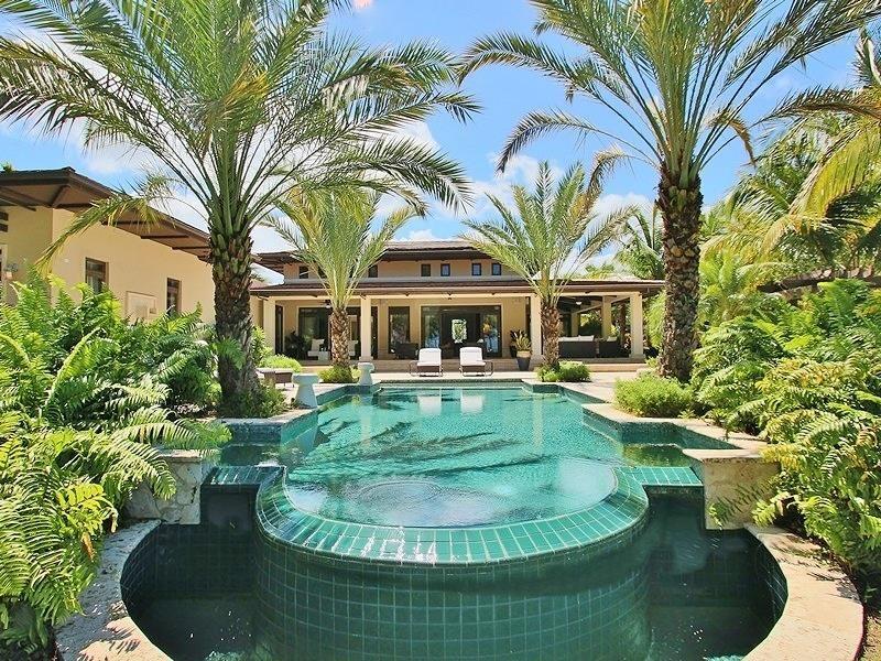 Caribbean Mansion At The St Regis Bahia Beach Resort In Rio Grande Puerto Rico Resort Lifestyle Caribbean Real Estate Bahia Beach