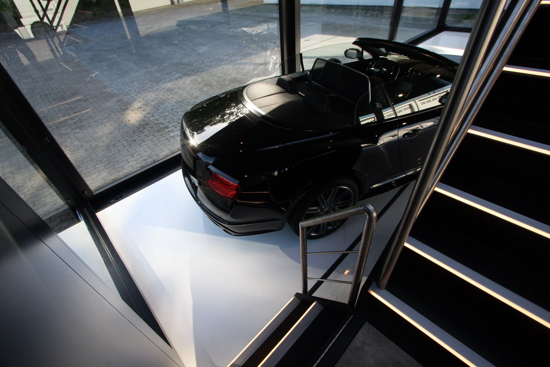 Bentley used our Pursuit mobile showroom as a popup car