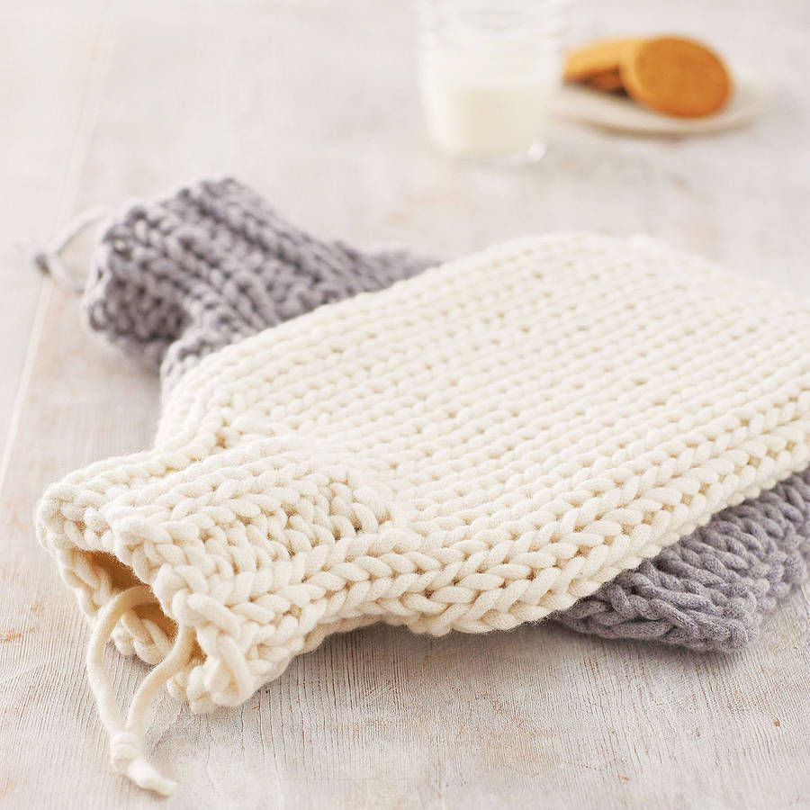 Hand Knitted Hot Water Bottle Cover | Labores, En casa y Tejido