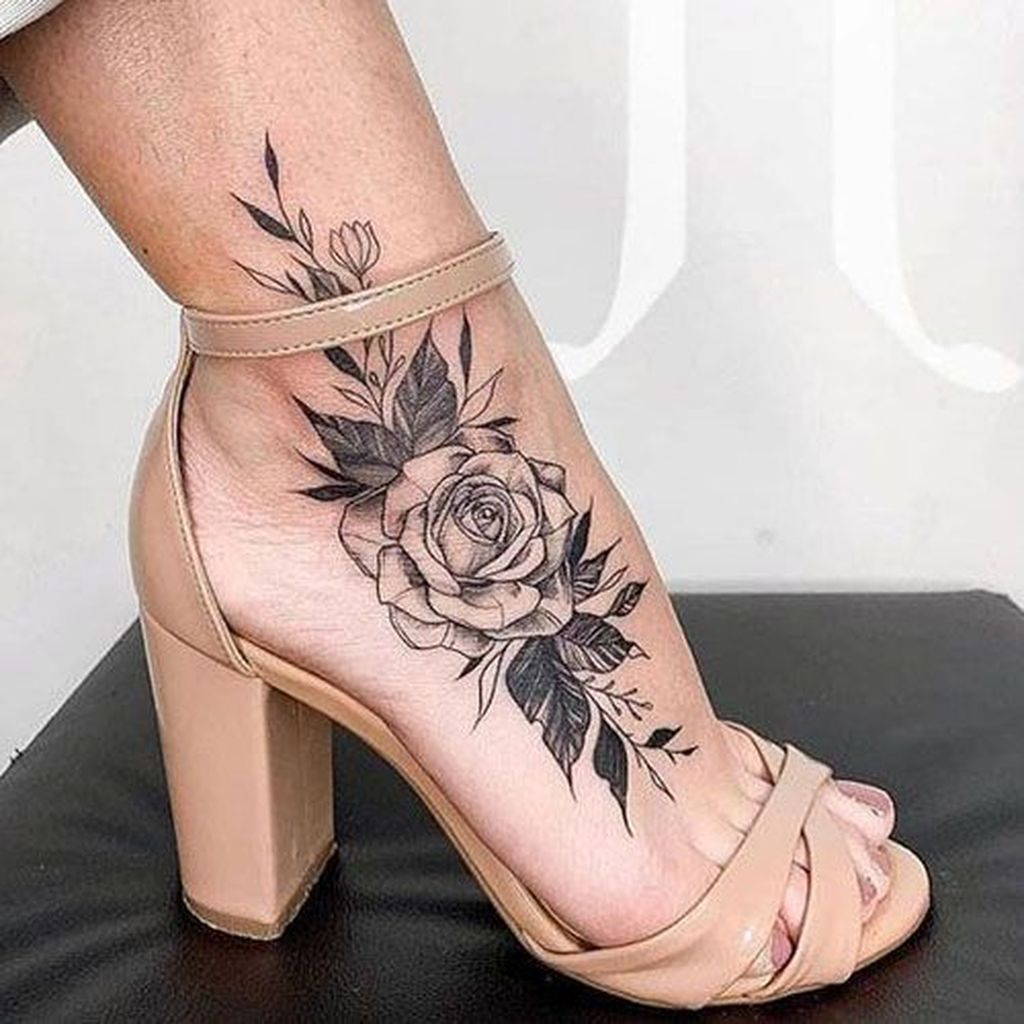 40+ Fancy Tattoos Ideas For Women To Have Asap in 2020