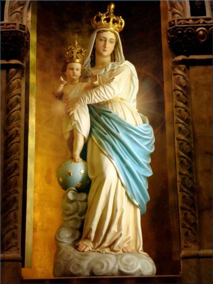 Pin by Jane Endrich on Mary Pictures   Mary and jesus, Blessed mother mary,  Blessed mother statue