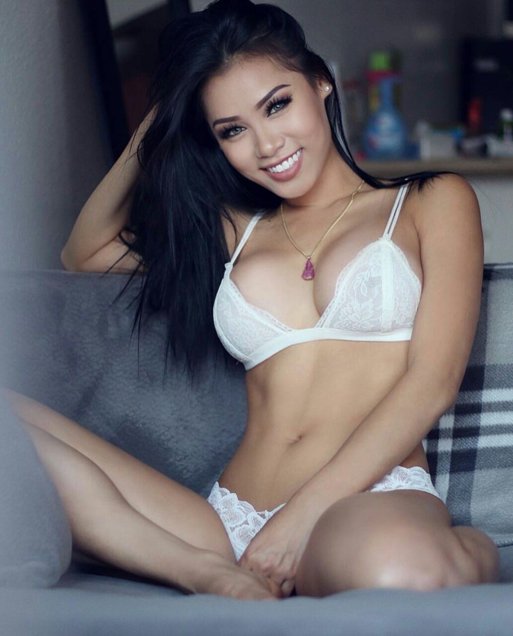 non pornographic pictures of sexy girls