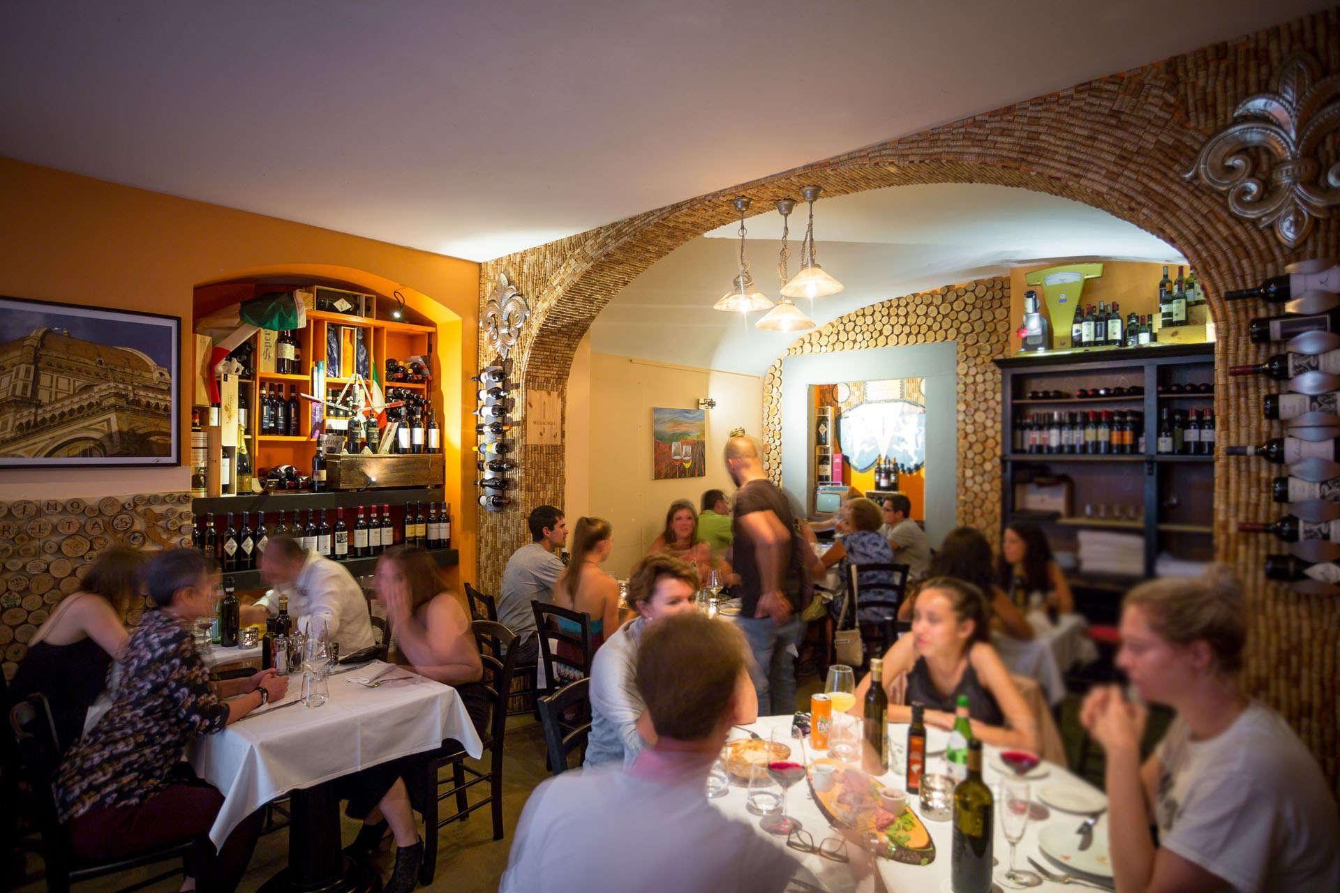 La Buchetta Food Wine Typical Romantic Restaurant In Florence Romantic Restaurant Restaurant Florence City