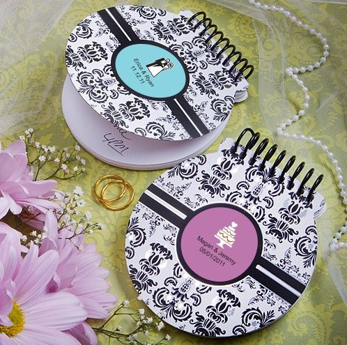 Personalized Round Notebook With Damask Background Wedding SouvenirUnique FavorsUnique