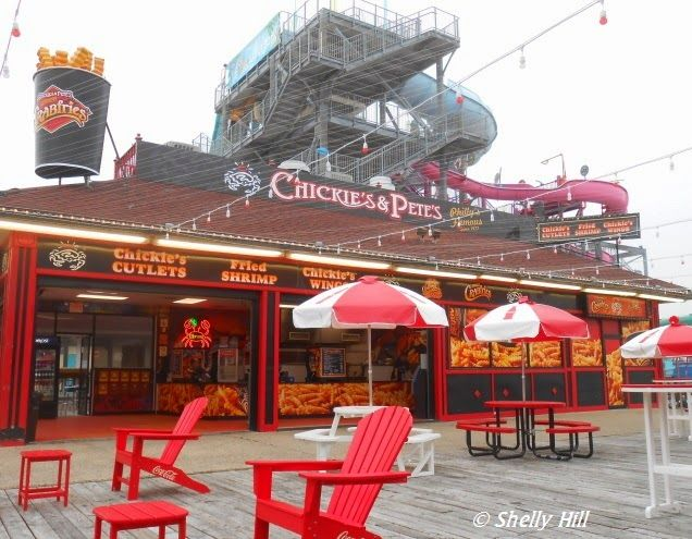 Chickie S Pete S Crab House And Sports Bar Crab House Sports Bar Pennsylvania Travel