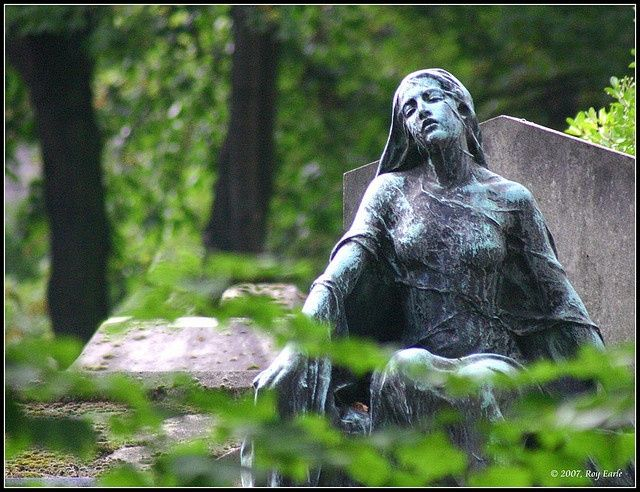 cemetery grave sculpture