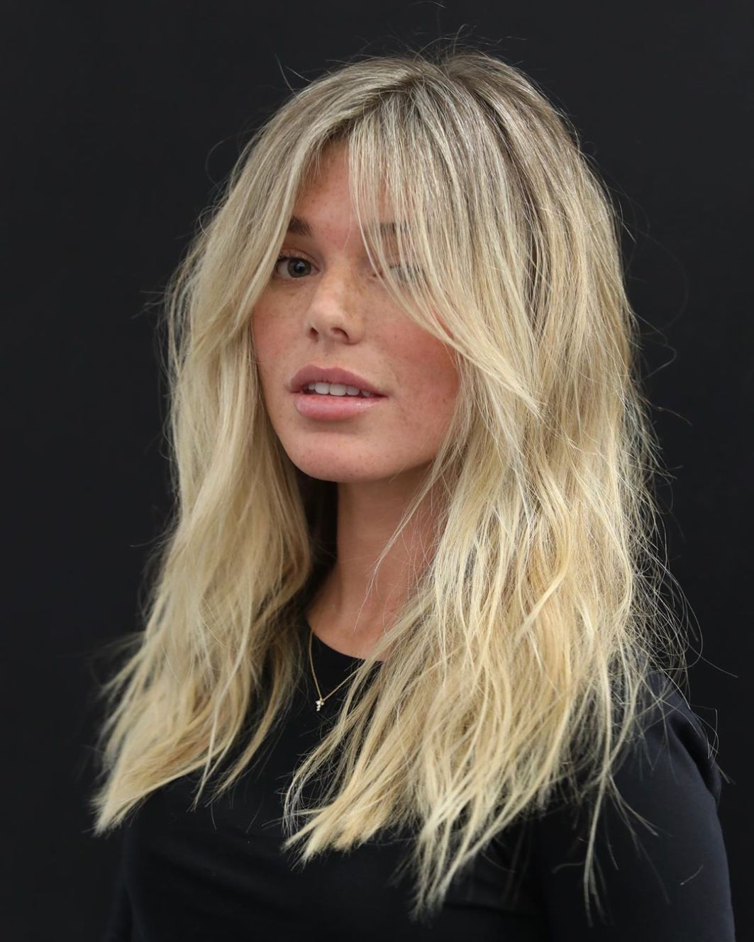 Mid Length Hair In 2020 Hair Styles Thick Hair Styles Haircut For Square Face