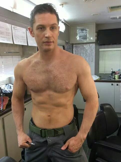 Tommy With Tatt Cover Up Makeup Still Gorgeous Tom Hardy Shirtless Tom Hardy Actor Tom Hardy Hot