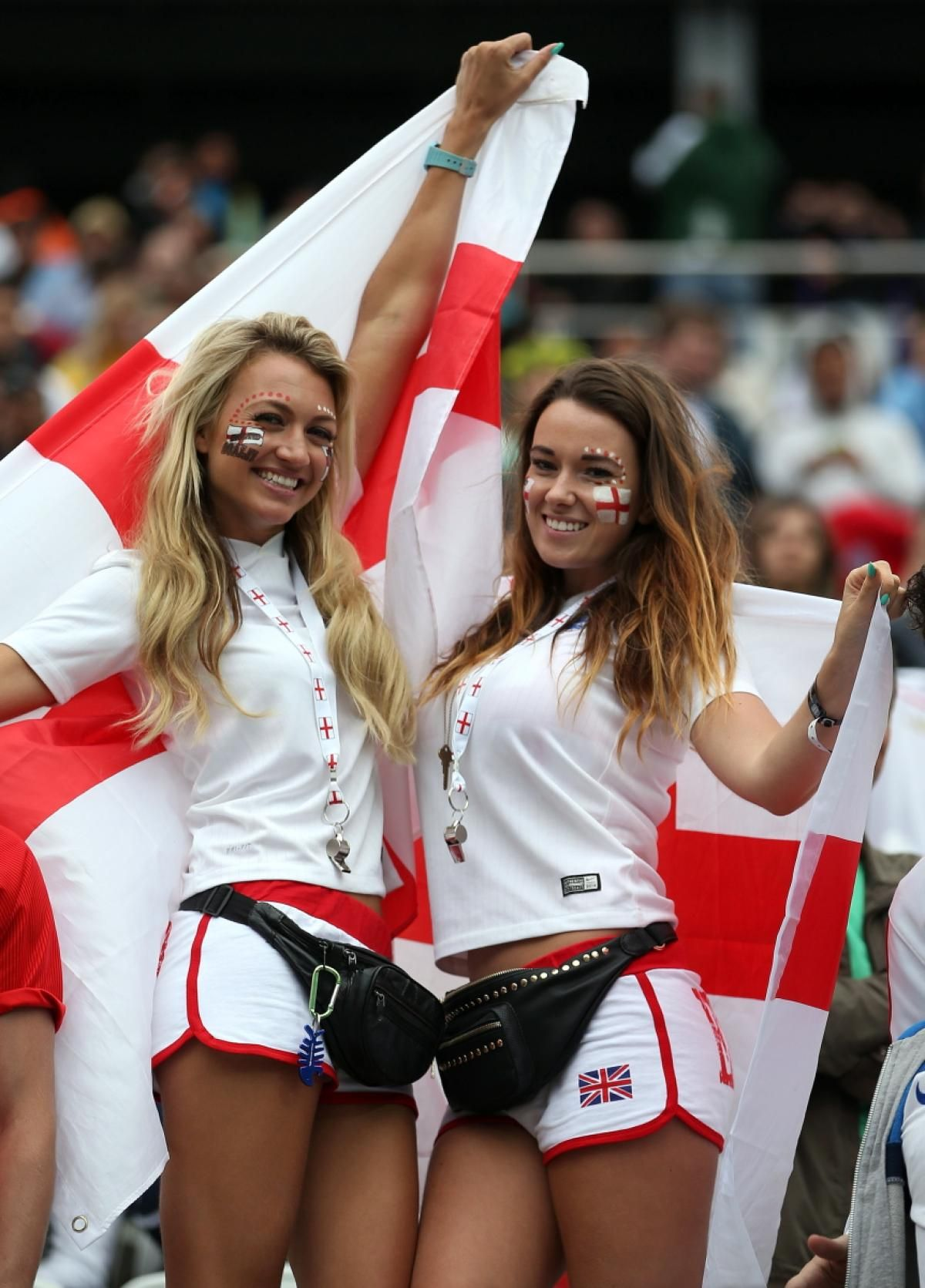 26 Hottest Fans Of The 2014 World Cup Hot Fan Soccer Fans Football Fans