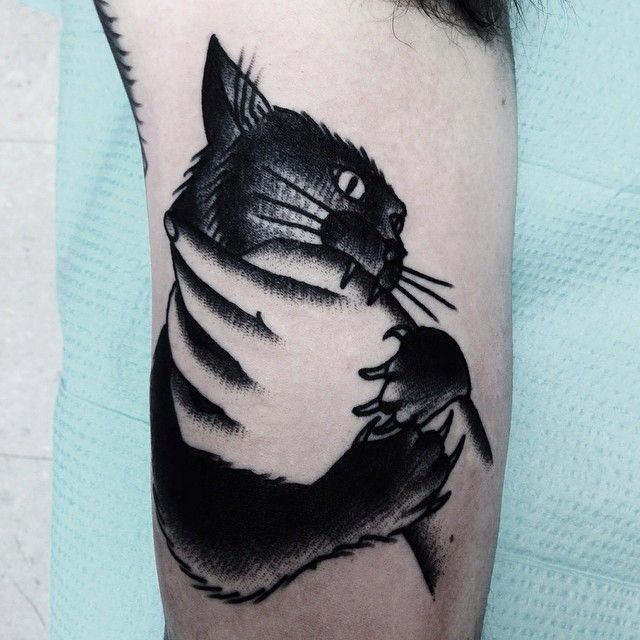 See This Instagram Photo By Mikeadamstattoo Homestead Tattoo Frederick Md Traditional Tattoo Black And White Black Cat Tattoos White Tattoo