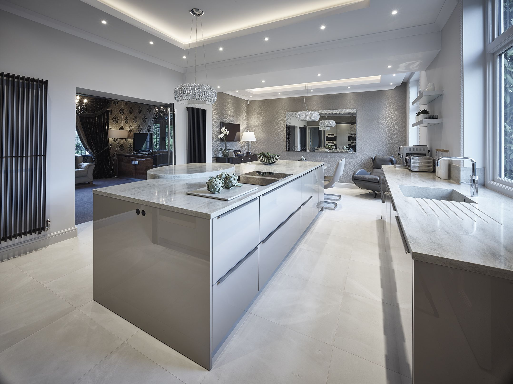 Siematic Classic Sc40 Kitchen In Agate Grey Gloss Finish Corian Sagebrush Worktops And Dining Table Luxury Kitchens Kitchen Inspirations Luxury Kitchen Design