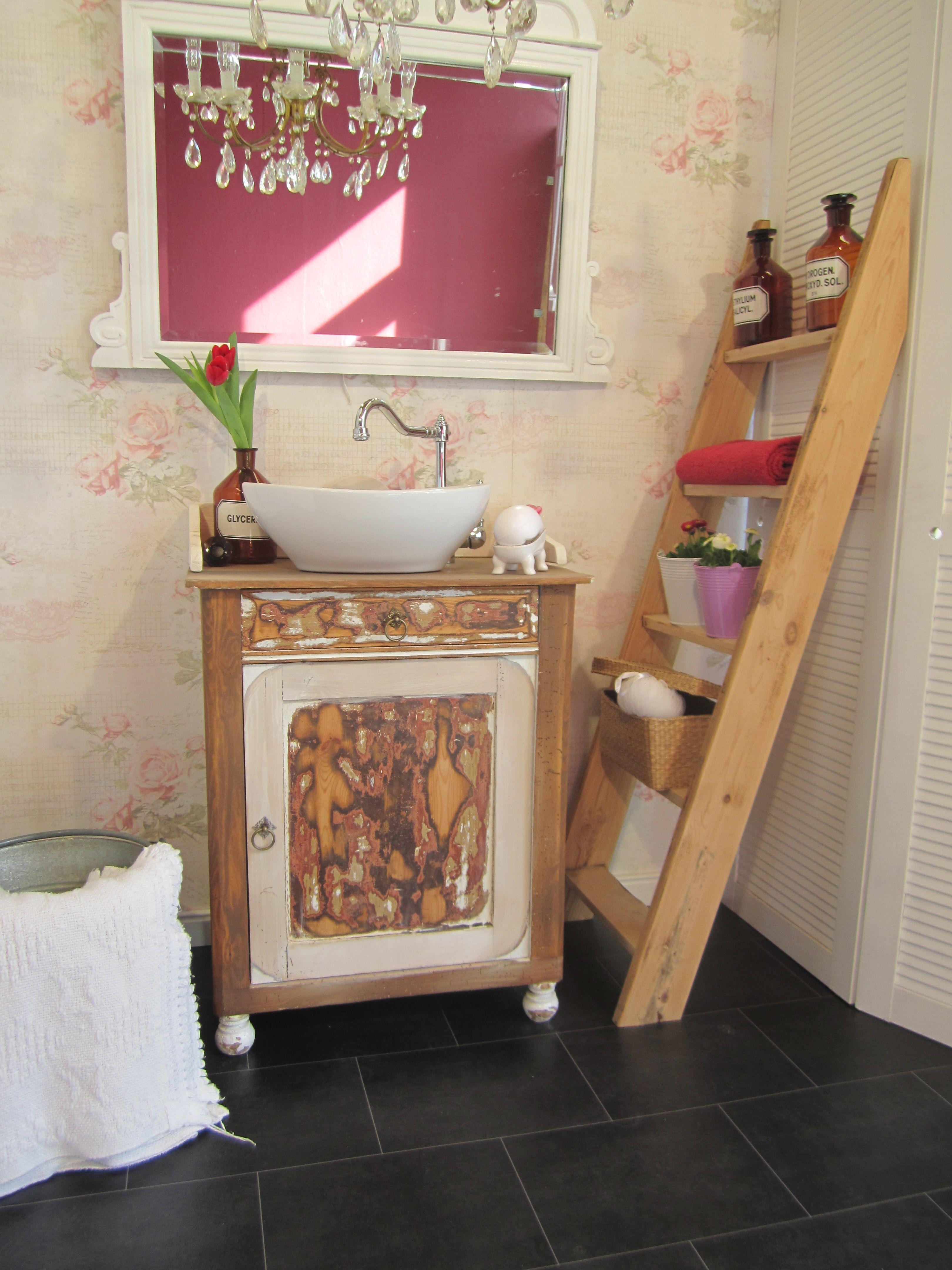 Badmobel Landhaus Ein Waschtisch Shabby Chic Der Besonderen Art Ist Let It Be Die Geradlinige Form Dieses Wasch Waschtisch Klein Waschtisch Schabby Schick
