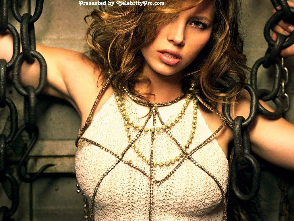 ManiaTV Beta | Live Celebrity TV Shows